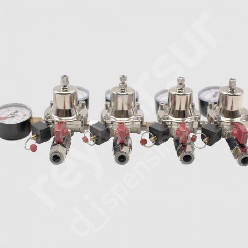 Regulador de presión CO2 cuadruple enchufe rápido con latiguillo. Reyvarsur, soluciones en dispensación bebidas embarriladas, cerveza, vino, sidra o agua.