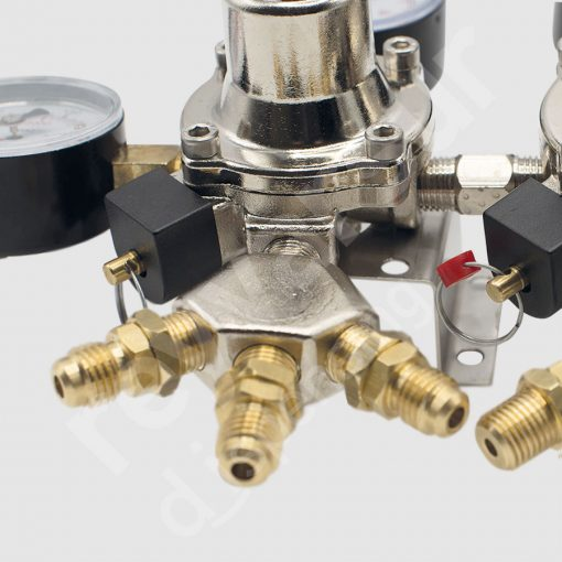 Regulador de presión CO2 doble seis salidas con latiguillo. Reyvarsur, soluciones en dispensación bebidas embarriladas, cerveza, vino, sidra o agua.