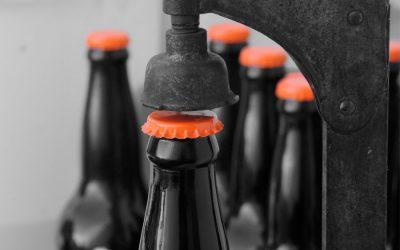 Cómo envasar la cerveza en botella o barril